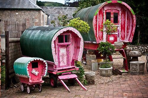 Gypsy caravan by garryknight @ Flickr