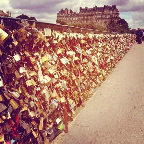 Pont de l'Archeveche love lock bridge paris
