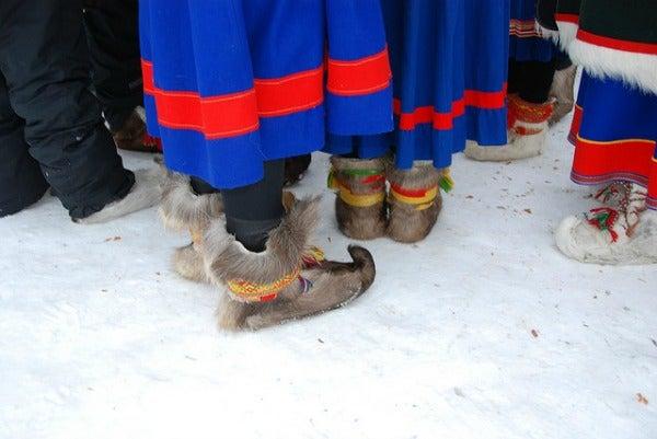 sami reindeer boots