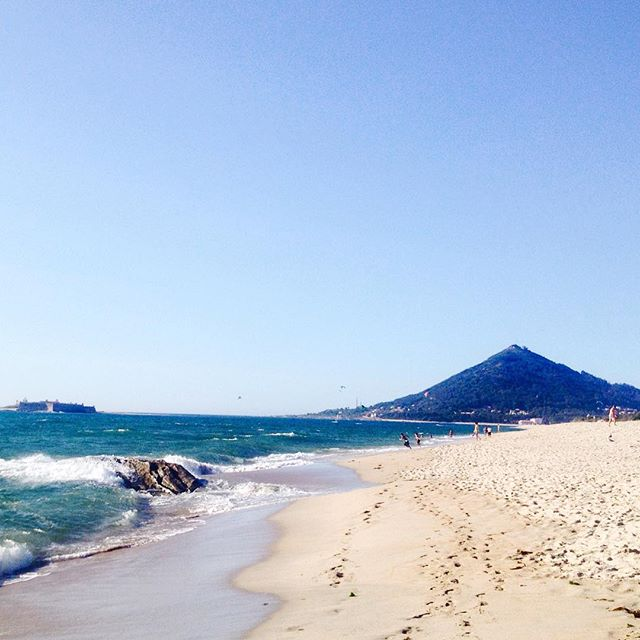 praia-de-moledo