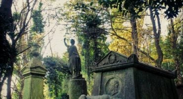 The World's Scariest Cemeteries