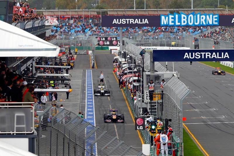 Australian_GP_pit_lane