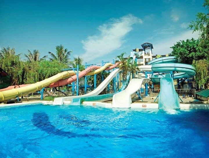 1 hanoi waterpark Opodo travel blog