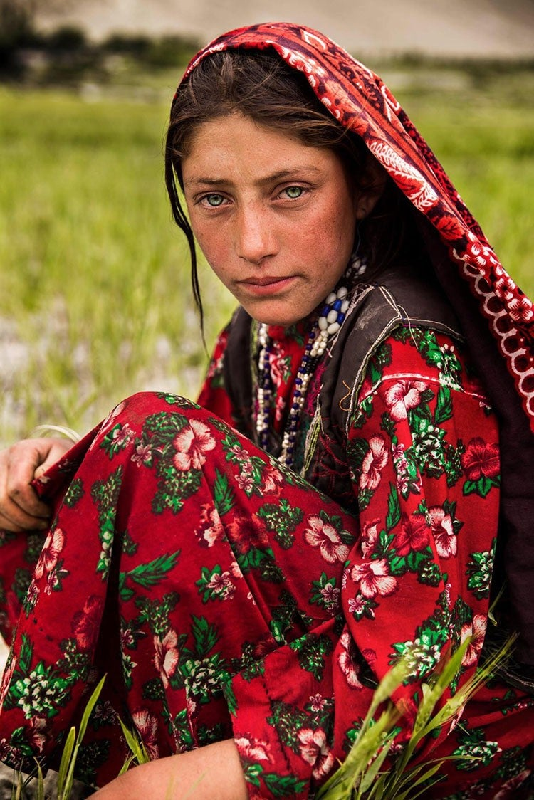 afghanistan-woman-mihaela-noroc-min