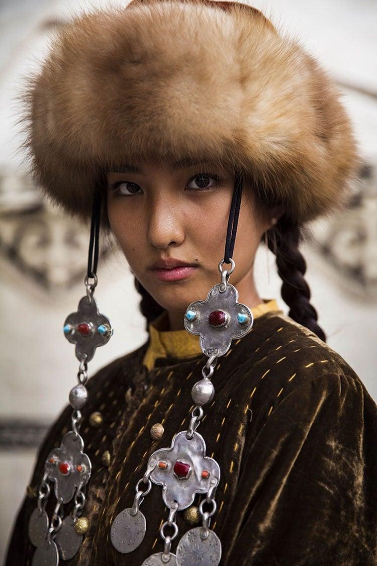 bishkek-woman-mihaela-noroc-min