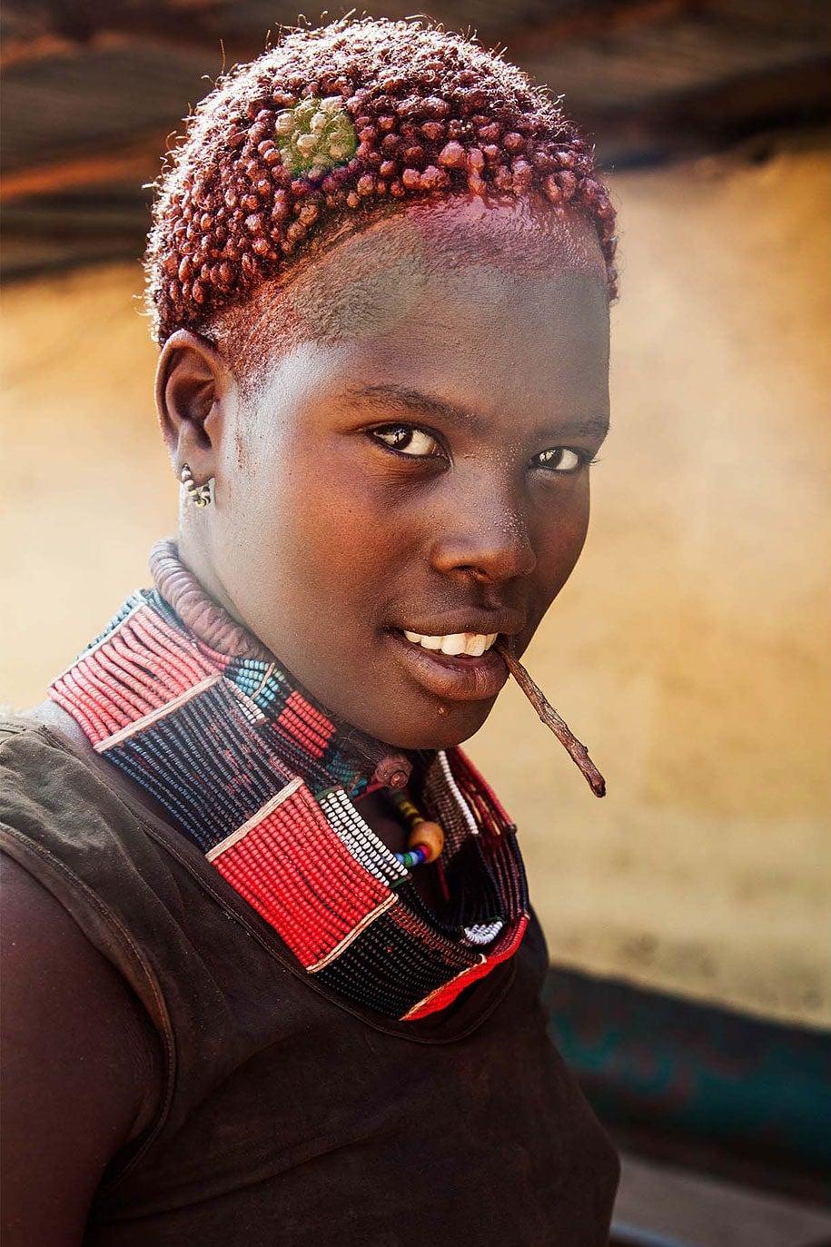 ethiopia-woman-mihaela-noroc-min