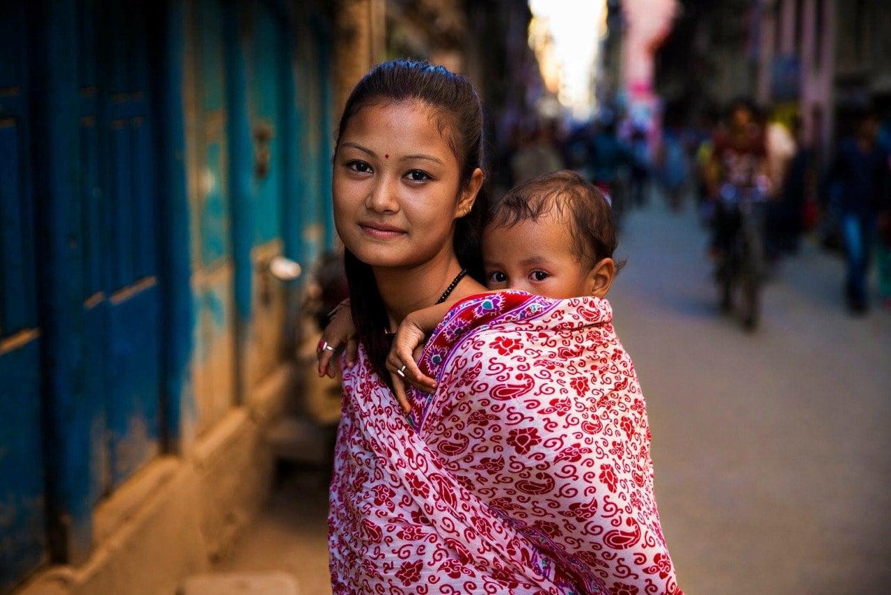 kathmandu-woman-mihaela-noroc-min