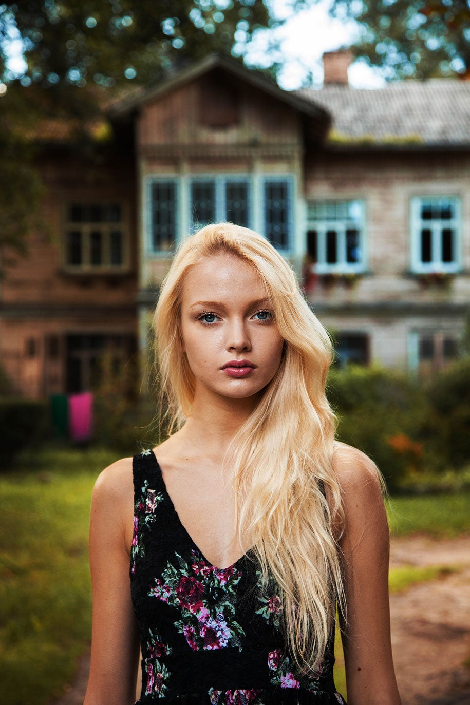 latvia-woman-mihaela-noroc-min