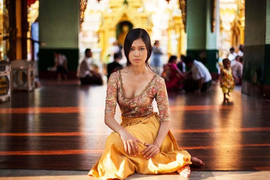 myanmar-woman-mihaela-noroc-min