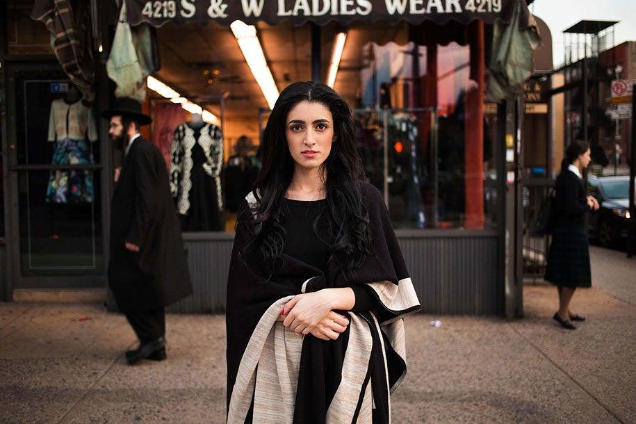 newyork-woman-mihaela-noroc-min