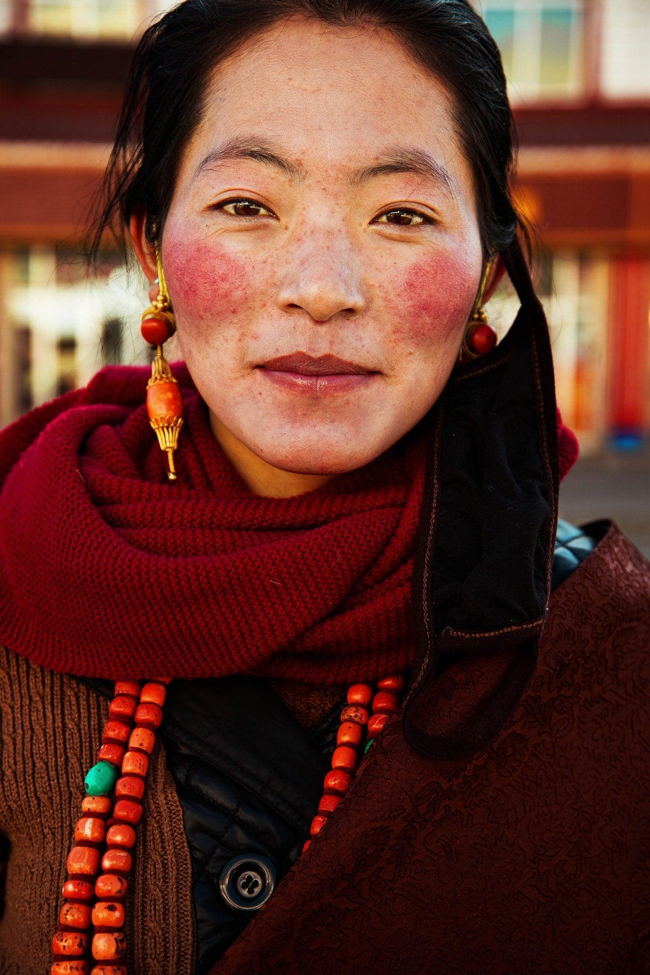 tibetan-woman-mihaela-noroc-min