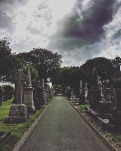 tombs at glasnevin cemetary dublin