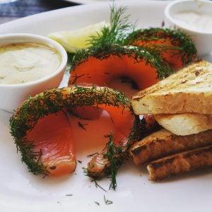 gravlax salmon with toast stockholm