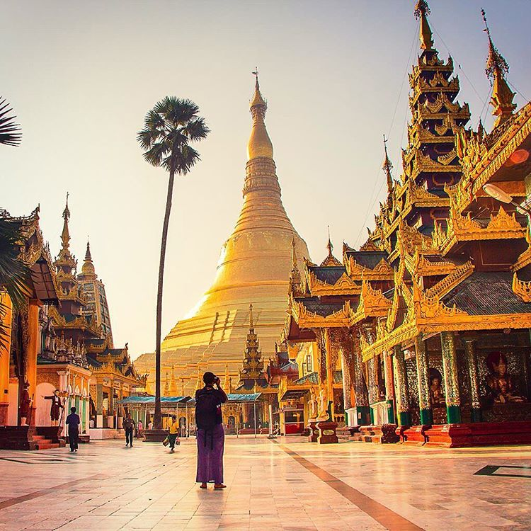 the shwedagon pagoda in yangon myanmar