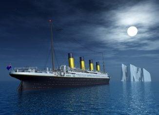 Titanic_diving_2018