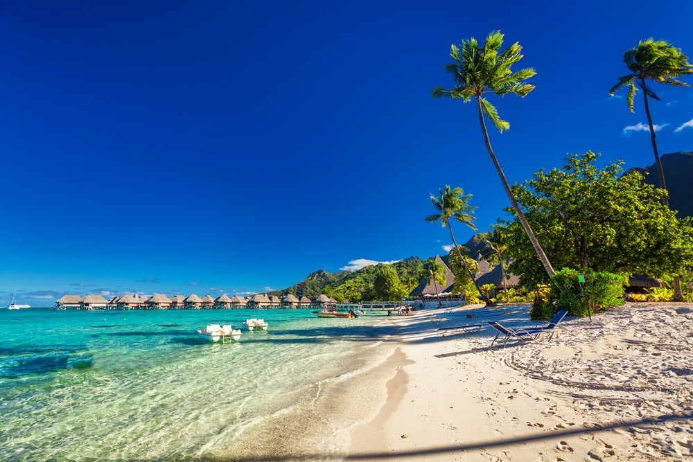 9 Most Beautiful Islands in the South Pacific | PlanetWare |Most Beautiful Beaches South Pacific
