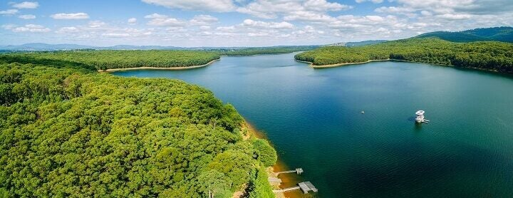 Reasons to travel to Melbourne_ Opodo Travel Blog_ Panorama of beautiful Silvan Reservoir lake
