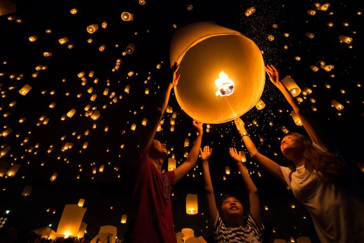 Lantern Festival in Thailand - Opodo