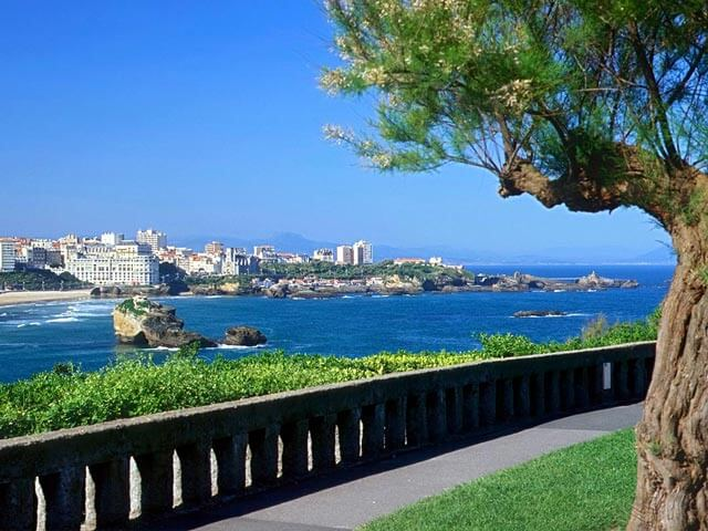 Book cheap Biarritz flights with Opodo
